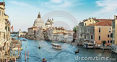 Ευρώπη Βενετία Ιταλία Μια άποψη της βασιλικής και του μεγάλου καναλιού timelapse σε 4K φιλμ μικρού μήκους