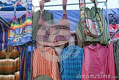 ζωηρόχρωμο γηγενές otavalo αγοράς