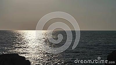 Ηλιακή αντανάκλαση στη θάλασσα απόθεμα βίντεο