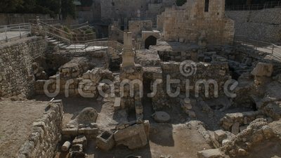 Η άποψη που εξετάζει δύση τη λίμνη του bethesda στην Ιερουσαλήμ απόθεμα βίντεο