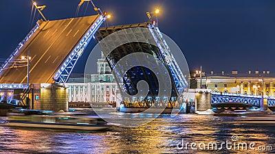 Η γέφυρα και το Kunstkamera παλατιών αύξησης timelapse