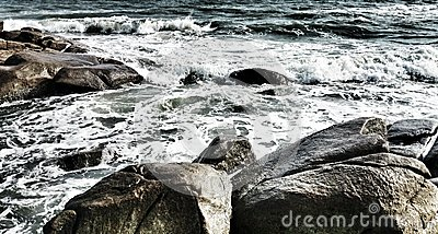 Η θάλασσα έχει το κύμα