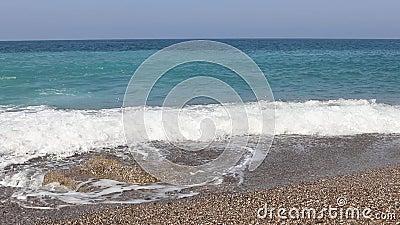 Θαλάσσια κύματα στην παραλία της Αντάλια, Μεσόγειος απόθεμα βίντεο