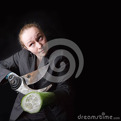 θηλυκά χέρια πυροβόλων όπλ