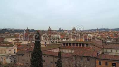 Θόλοι των ναών και των ζωηρόχρωμων στεγών στη Ρώμη, Ιταλία απόθεμα βίντεο