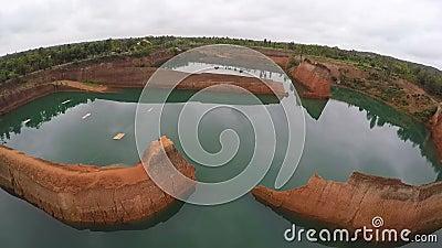 ΚΕΡΑΙΑ: Μεγάλο φαράγγι Hangdong σε Chiang Mai, Ταϊλάνδη Δεξαμενή από το παλαιό εδαφολογικό ορυχείο απόθεμα βίντεο