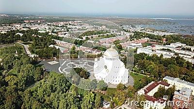 Κηφήνας με θέα από την πλατεία Yakornaya στην πλατείαΟ καθεδρικός ναός του Αγίου Νικολάου στο Kronstadt είναι Ρώσος ορθόδοξος απόθεμα βίντεο