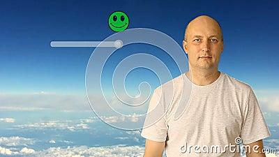 Κουμπί φωτογραφικών διαφανειών πελατών στην εικονική οθόνη Άσπρη ανασκόπηση μπλε ουρανού σύννεφων Ενήλικος καυκάσιος αρσενικός αν απόθεμα βίντεο