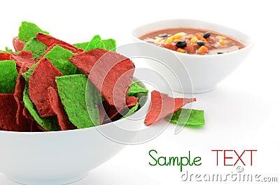 Κόκκινα και πράσινα tortilla τσιπ