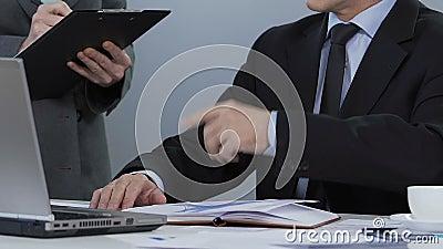 Κύριες δίνοντας οδηγίες, κατάλογος γραψίματος γραμματέων των κατευθύνσεων, προγραμματισμός προγράμματος απόθεμα βίντεο
