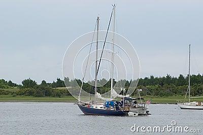 λιμενικά sailboats δύο