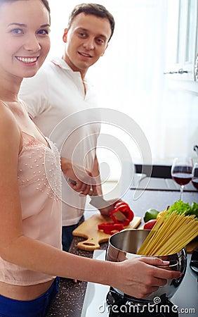 Μαγειρεύοντας ζεύγος