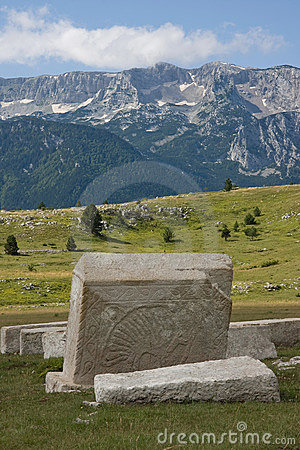 μεσαιωνικά μνημεία