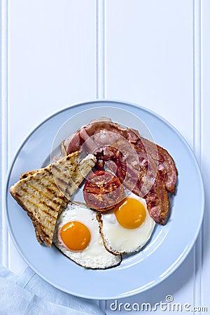 Μπέϊκον και αυγά