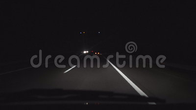 Να οδηγήσει στον αυτοκινητόδρομο τη νύχτα απόθεμα βίντεο