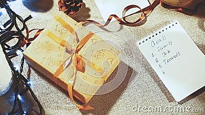 Να προετοιμαστεί για τις διακοπές Κατάλογος στόχων και δώρων προγραμματισμού για το νέο έτος απόθεμα βίντεο