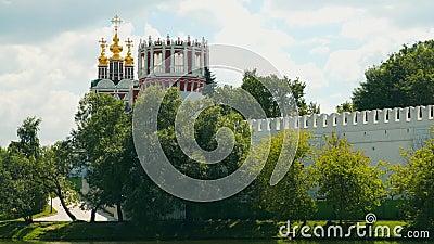 Οι τοίχοι και οι θόλοι της εκκλησίας μονών Novodevichy φιλμ μικρού μήκους
