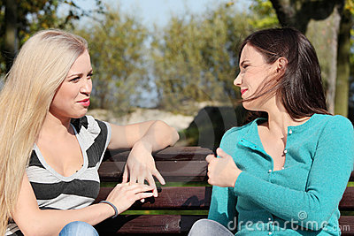 πάρκο δύο γυναίκα