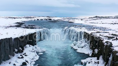 Παγωμένος καταρράκτης Χιόνι Ισλανδία Drone 100 fps απόθεμα βίντεο