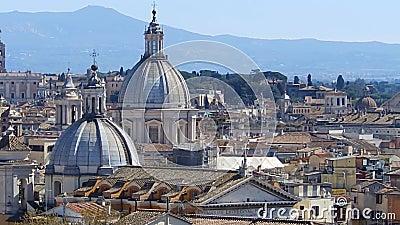Πανοραμική άποψη σχετικά με τις στέγες της Ρώμης, Ιταλία ορίζοντας της Ρώμης Πυροβολισμός βράσης απόθεμα βίντεο