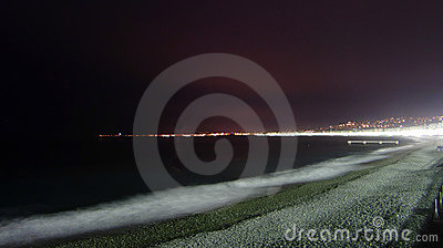 Παραλία της Νίκαιας τη νύχτα
