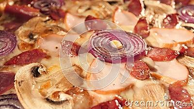 Πικρή ιταλική πίτσα Αργή κίνηση θερμού φωτισμού και κάμερας φιλμ μικρού μήκους