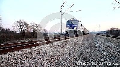 Πραγματικά γρήγορα τραίνο φιλμ μικρού μήκους