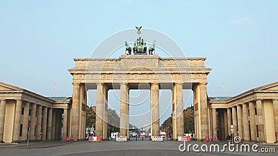 Πύλη του Βραδεμβούργου (σκαπάνη Brandenburger) στο Βερολίνο, Γερμανία απόθεμα βίντεο