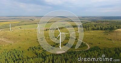 Ρωσία Ούφα Ενέργεια φιλική προς το περιβάλλον Εναέρια βολή γεννήτριας ανέμου Έννοια της τεχνολογίας ανεμόμυλων ή αιολικής ενέργει φιλμ μικρού μήκους