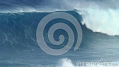 Σε αργή κίνηση: Κενή ωκεάνια συντριβή κυμάτων απόθεμα βίντεο