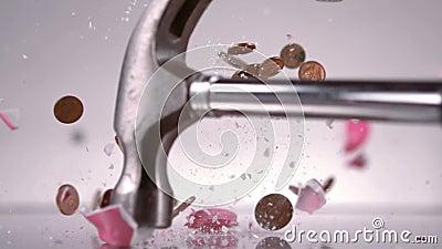 σπάζοντας σφυρί τραπεζών piggy φιλμ μικρού μήκους