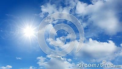 Σύννεφα και ήλιος χρονικού σφάλματος απόθεμα βίντεο