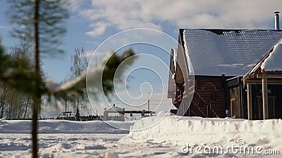 Τακτοποίηση εξοχικών σπιτιών Χειμερινή ηλιόλουστη ημέρα Ρωσία φιλμ μικρού μήκους
