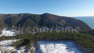 Τοπίο βουνών και seascape, εναέρια άποψη απόθεμα βίντεο