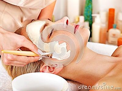 Του προσώπου μάσκα αργίλου beauty spa.