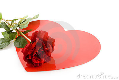 το κόκκινο αγάπης αυξήθηκ