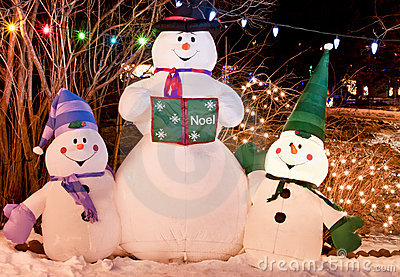 Τρίο χιονανθρώπων