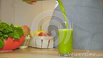 Φρέσκος πράσινος καταφερτζής φιλμ μικρού μήκους