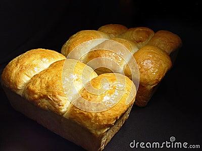 φρέσκος σπιτικός ψωμιού