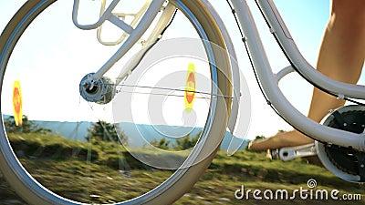 Χαμηλή ρόδα γωνίας γύρου ποδηλάτων απόθεμα βίντεο