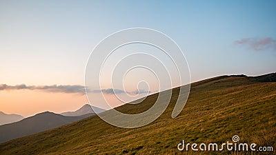Χρονικό σφάλμα Δυναμικός ουρανός πέρα από την κοιλάδα στο βουνό φιλμ μικρού μήκους