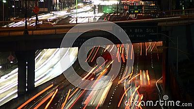 Χρονικό σφάλμα της κυκλοφορίας στο στο κέντρο της πόλης Λος Άντζελες τη νύχτα - 4K