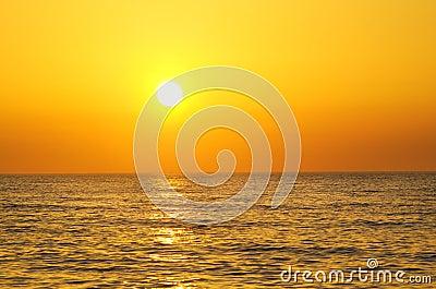 ωκεανός πέρα από την ανατολ
