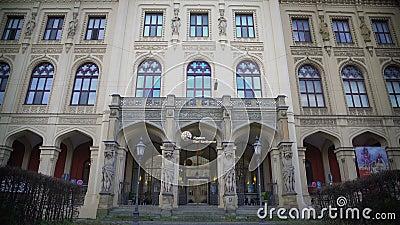Όμορφη πρόσοψη του μουσείου πέντε ήπειροι στο Μόναχο, Γερμανία, τουρισμός απόθεμα βίντεο