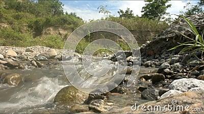 Όμορφος ποταμός Kawatuna από Palu κεντρικό Sulawesi Ινδονησία απόθεμα βίντεο
