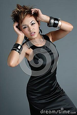 азиатская женщина