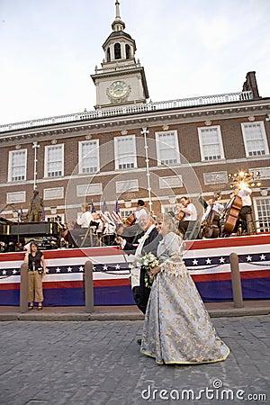 Актеры Бен Франклина и Betsy Ross Редакционное Стоковое Фото
