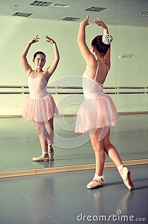 Девушки в зеркале фото 517-663