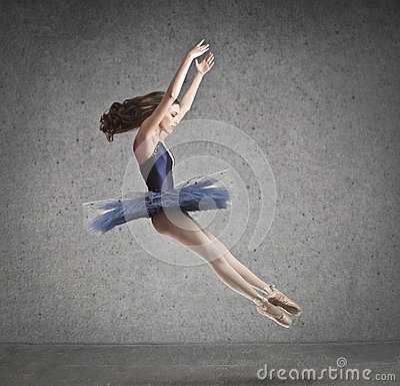 Балерина скачет