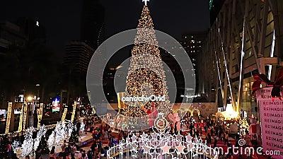 БАНГКОК ТАИЛАНД:22 НОЯБРЯ 2019 год: Рождественские Светы И Декорации Вечером , Бангкок Таиланд акции видеоматериалы